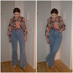 Mucha Lucha - Second Hand Shirt, Second Hand Belt, H&M Jeans, Topshop Boots - Flared dream