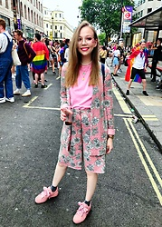 Karina Bogdan - Asos Suit, Weekday Top, Michael Kors Watch, Monki Glitter Socks, Puma Sneakers - PRIDE.