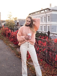 Ida - Mango Pants, Zara Turtle Neck - Fall in oslo