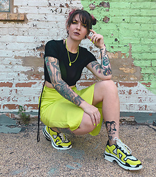 Jessie Bee - Forever 21 Neon Skirt, Dsw Sneakers, Forever 21 Sheer Top - Juice