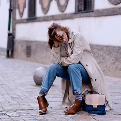 Iva K - United Colors Of Benetton Coat, H&M Jeans - Autumn days