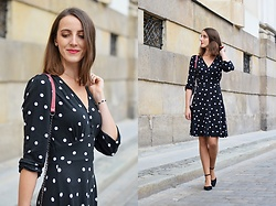 Ewa -  - More dots!