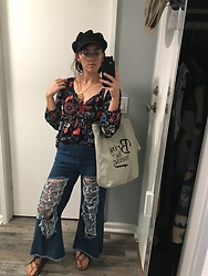Beca Villegas - Daiso Bring On Sunset Tote, Laker Hat, N/A Dream Catcher, Old Navy Peasant Blouse, Flared Ripped Jeans, Strap Or Sandals - Still sunny in California