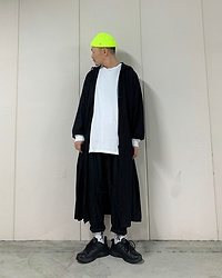 ★masaki★ - Obey Micro Beanie, Ssnmrkrn Vinvage Military Coat, Nike Air Monarch - NEON HEAD