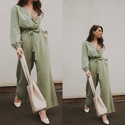 Karolina G. - & Other Stories Belted Long Sleeve Jumpsuit Pistachio, Dorothy Perkins White 'Esmeralda' Court Shoes Heels, H&M Gold Hoop Earrings, Nasty Gal Ivory Croc Clutch And Tote Bag - Teenagers- the chemical romance