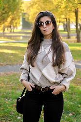 Carmen Schubert - H&M Pringle Of Scotland Jumper, Black Jeans - Fall Outfit