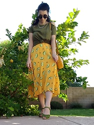 Saguaro Style - Anthropologie Olive Tee, Avocado Skirt, Vince Camuto Mustard Circle Bag Chica, Swedish Hasbeens Super High Classic In Green - 10.27.19