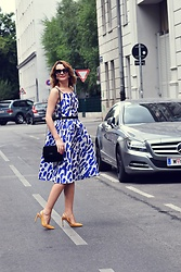 Butterfly Petty - Dresslily Dress, Zara Shoes, Guess Bag - Blue spots