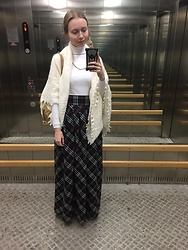 Lexa - Modis Shirt, Marmalato Backpack, Orenburg Shawl, Rezeda Suleiman Skirt - 212