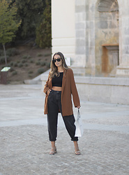 Claudia Villanueva - Stradivarius Blazer, Bershka Top, Zara Jeans, Shein Sandals - Shopping for fall basics
