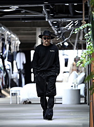 INWON LEE - Byther Doma Ahn Jung Geun Print Loose Fit T Shirt, Byther Legstring Wide Pants - All Black Oriental Fahion