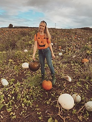 Katie Williams - Hunter Wellies, Abercrombie & Fitch Jeans - Pumpkin patch
