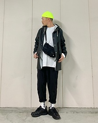★masaki★ - Obey Micro Beanie, Stutter Heim Rain Coat, Nike Air Monarch - Rainy Day