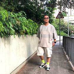 Mannix Lo - Asos Oversize Big Tee, Uniqlo Cargo Shorts, Adidas Yeezy 700 Sneakers - The truth you hide in your heart......