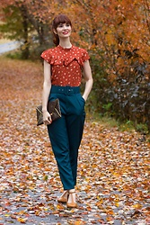 Bleu Avenue - Femmeluxefinery Teal Belted Tapered Trousers Amber, Forever 21 Floral Ruffle Trim Top - The Teal Deal