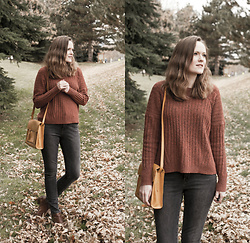 Emily S. - American Eagle Sweater, Levi's® Jeans, Lucky Brand Ankle Boots, Abercrombie & Fitch Bag - Rustic Fall
