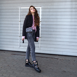 OH ANNE (BLOGGER) -  - VINTAGE BLAZER, PINK SWEATER, MOM JEANS & BALENCIAGA DUPES