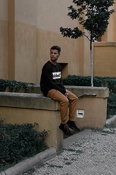 Kevin Elezaj - Timberland Sneakers, Timberland Pants, Timberland Sweater - Hanging there