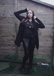 Batslover - Crazyinlove Cardigan Post Apo Style, Crazyinlove Mesh Longsleeve, Femme Luxe Leggings High Waist - Dark aesthetic