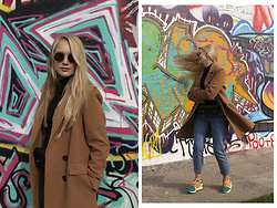 Ewa Michalik - Asics Sneakers, Reserved Jeans, Vasuma Glasses - Fall of the Berlin Wall