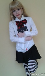 Nicole Benavides - Blonde Wig, White Collar Shirt, Black And White Stripped Stockings, Black Skirt - Cosplay | Misa Amane, Death Note (Artbook)
