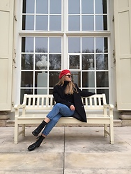 Aneta Kramarska - Mohito Shoes, Pull & Bear Blazer, Pull & Bear Hat - Wondrous place - Billy Fury