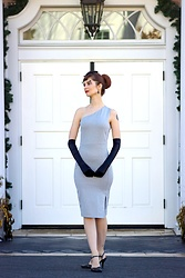 Bleu Avenue Ofbleuavenue - Femme Luxe Silver Glitter One Shoulder Midi Dress Brianna - Tinsel Time with Glitter Dresses