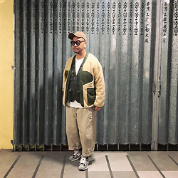 Mannix Lo - Online Shop Patchwork Military Fleece Jacket, Online Shop Utility Vest, Uniqlo Waffle Long Sleeves Tee, Online Shop Loose Fit Cargo Pants, Madness X New Balance 990v2 Sneakers - When I'm sad, please don't ask me what's wrong, just HUG me