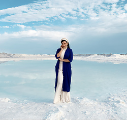 Gilda - Mango Blue Cardigan - Salt lake in Iran