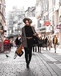 Camillemourey - Hod Vest, Pimkie Hat, Minelli Boots, Fitz And Huxley Bag, Bershka Top, Uniqlo Jean - City