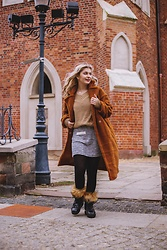 Aleksandra Siara - Shein Teddy Coat, Zara Skirt - Winter is here