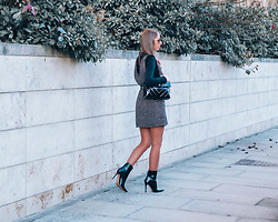 Petite Paulina -  - Tweed Obsession