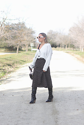 Claudia Villanueva - Primark Cardigan, Shein Skirt, Boohoo Bag, Shein Boots - I needed to loose you to love me