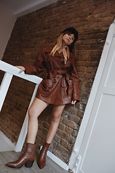 Dominique Malinowska - Asos Brown Cowboy Boots - That 70's leather