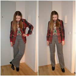 Mucha Lucha - H&M Sweater Vest, Vintage Blazer, Second Hand Trousers, Topshop Boots - Chic and festive grandpa