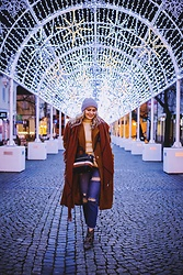 Aleksandra Siara - Shein Coat, Femmeluxe Jeans - Christmas is here