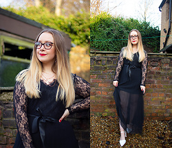 Emma Reay - Shein Black Lace Dress Gifted - NEW YEARS EVE OUTFIT