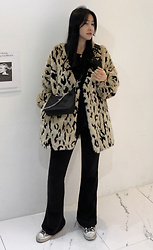 Miamiyu K - Miamasvin Faux Fur Animal Pattern Short Coat - Fierce Winter
