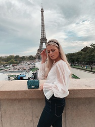 Emmy Nikolausson - Gina Tricot Blouse, Lindex Jeans, Ur&Penn Bag - CITY DREAMS ~