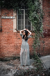 Kimberly Kong - The Codex Club Plunge Maxi Dress - Why You Need To Try Waterless Hair Products