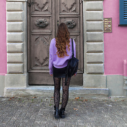OH ANNE (BLOGGER) -  - Oversize Pullover, Leather Skirt, Fashion Tights & Boots