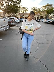 Kimberly Macias - Chloé Small Faye, Urban Outfitters Band Tee, Levi's® Wedgie 501, Forever 21 Point Toe Boots - Casual band tee