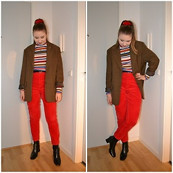Mucha Lucha - Second Hand Blazer, Monki Roll Neck Top, Monki Trousers, Topshop Boots - First 2020 outfit