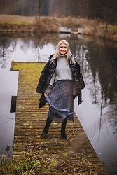 Aleksandra Siara - Shein Sweater, H&M Skirt - Down Jacket
