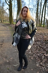 Sarah M - Primark T Shirt, Dorothy Perkins Leather Jacket, C&A Pants, Zign Booties - Jurassic at the park