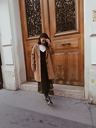 Maë RZF - Pull & Bear Camel Coat, Pull & Bear Top + Long Dress, New Look Boots - ENDLESS JAN