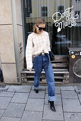 Anna Borisovna - Sezane Sweater, Massimo Dutti Jeans, Mango Shoes, Arket Bag - The Denim Pants