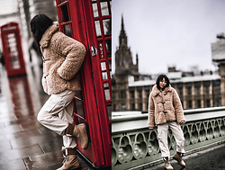 Elifnaz Kuşkaya -  - Cozy in London