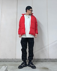 ★masaki★ - Vitaly Padlock Necklace, Bershka Puffer, Rothco Cargo, Adidas Ozweego, Pacsun Sweater - Puffer style