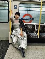 Weronika Bukowczan - Marks & Spencer Pleated Metallic Silver Midi Skirt, Lipsy Silver Metallic Corset, Sheer Silver Glittery High Neck Top, Zara Fur Grey Jacket, Primark Velvet Grey Metallic Boots - Underground glamour